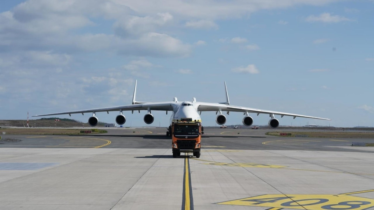 Istanbul Airport hosts world's largest cargo aircraft