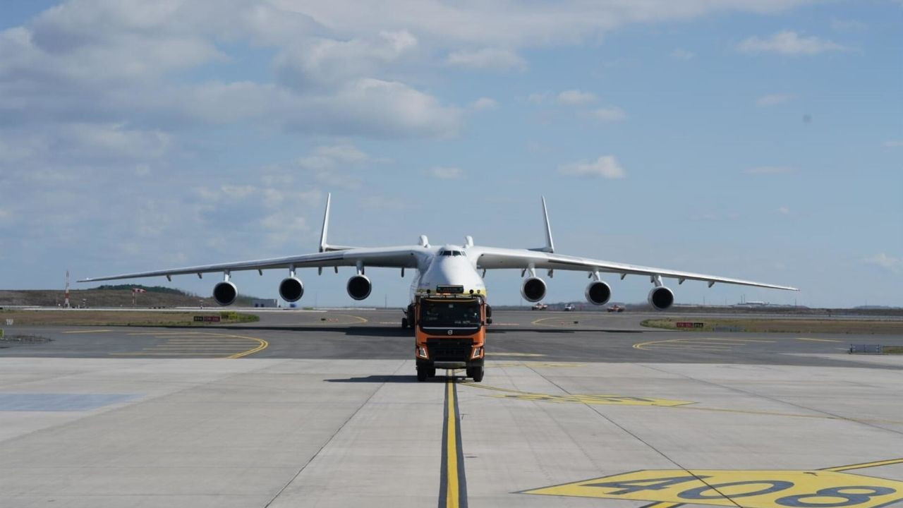 Istanbul Airport hosts world's largest cargo aircraft - Page 1