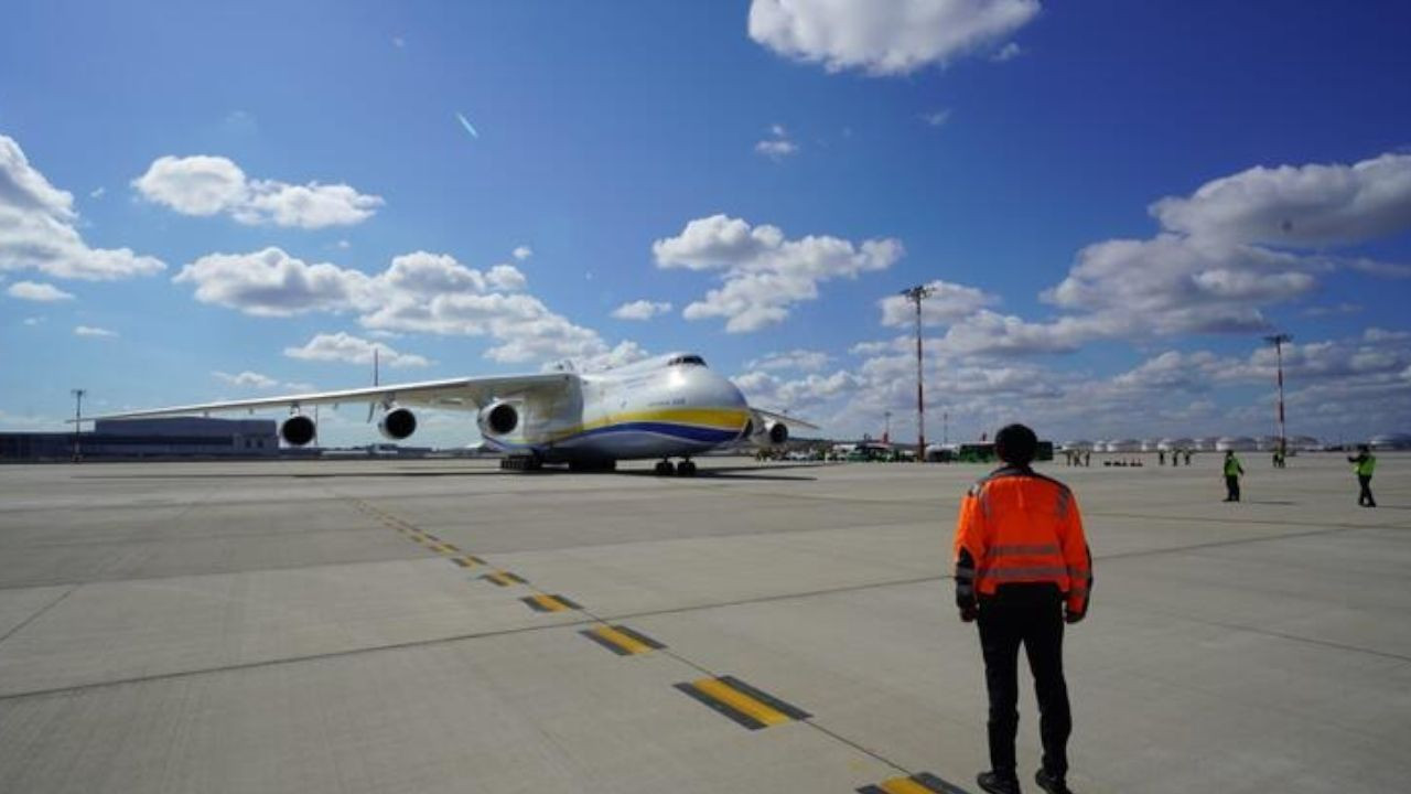 Istanbul Airport hosts world's largest cargo aircraft - Page 3