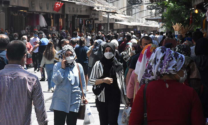 Turkey's daily COVID-19 infections near 30,000