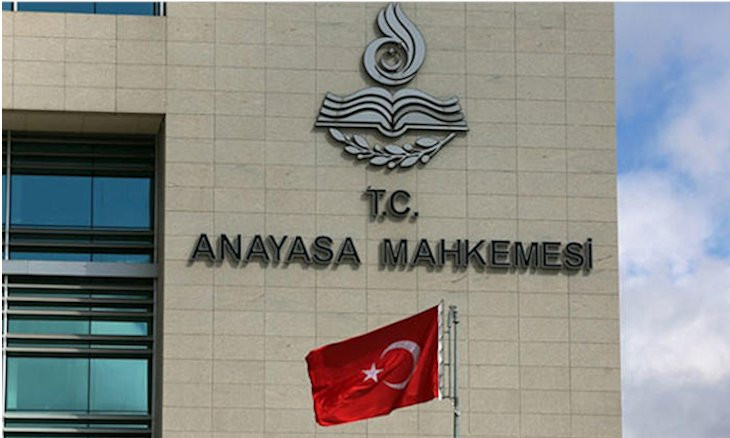 Top Turkish court rules press ban on corruption inquiry unconstitutional