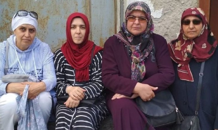 Another group of mothers start protest in Istanbul