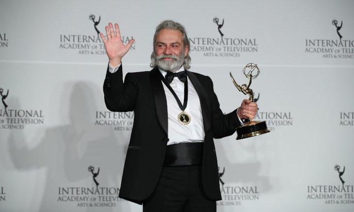 Turkish actor Haluk Bilginer wins Emmy Award, warns against amnesia of society