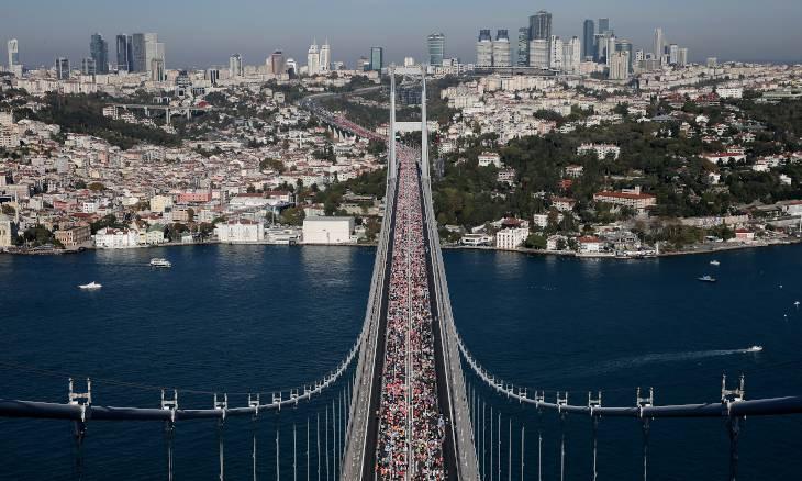 Thousands run in Istanbul's intercontinental marathon