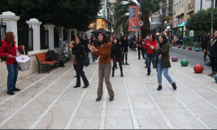Turkish women perform Chilean feminist group's dance in Istanbul to protest abuse