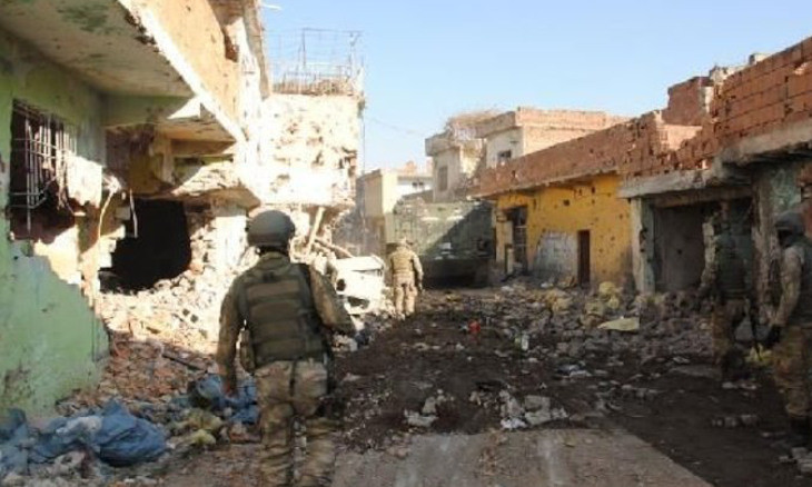 Illegal buildings being constructed in historic Diyarbakır Sur district