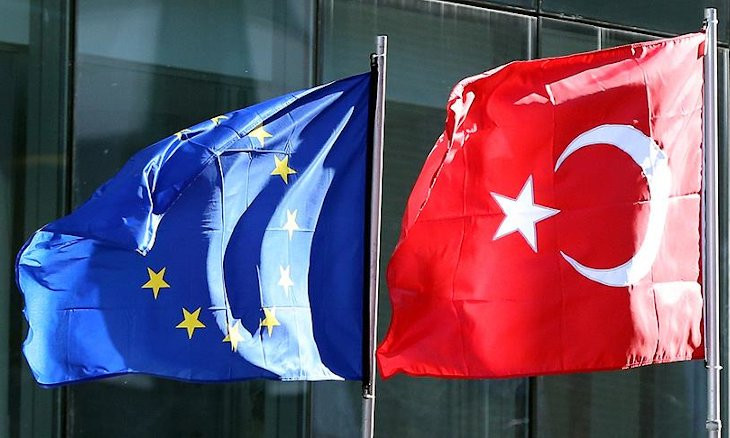 Half the population wants Turkey to join EU, poll shows
