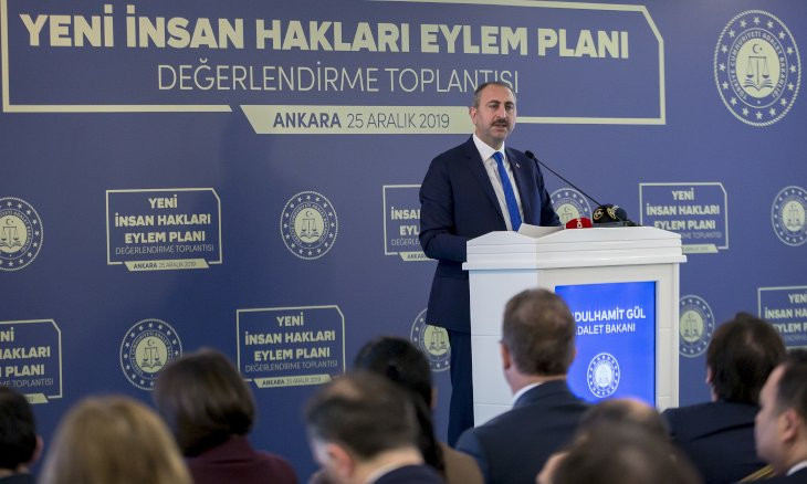 Justice minister slams defining Kurdish as an 'unknown language' in courts