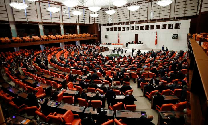 Turkish parliament approves motion on sending troops to Libya