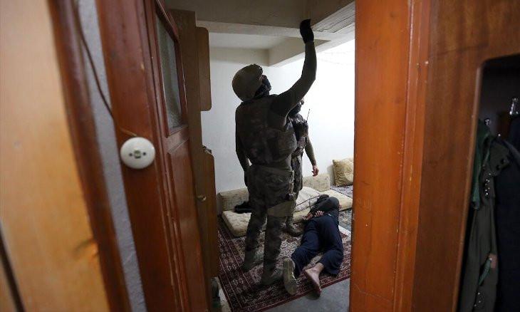 Ankara police arrests 10 Syrians for dealing drugs
