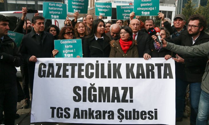 Journalists protest Presidency Communications Directorate in Ankara over press cards