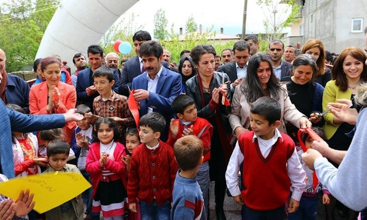 Kurdish language teachers acquitted of terrorism charges
