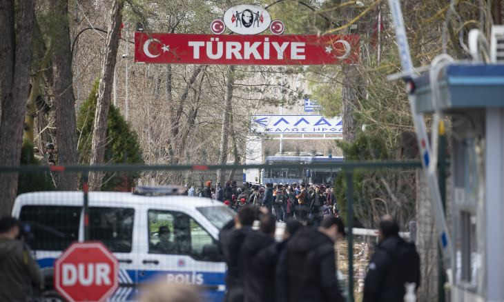 Turkey shuts border gate as 100 migrants stranded in passage to Greece