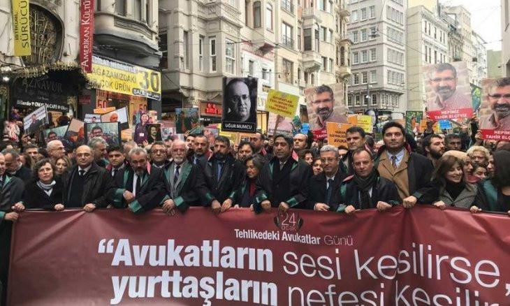 Nine lawyers detained in Diyarbakır, Şanlıurfa