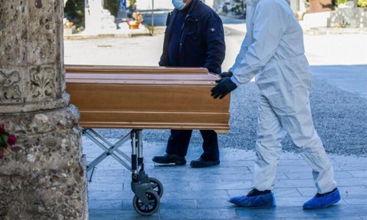 Istanbul buries coronavirus casualties in coffins instead of shrouds, eliminates communal funeral prayers