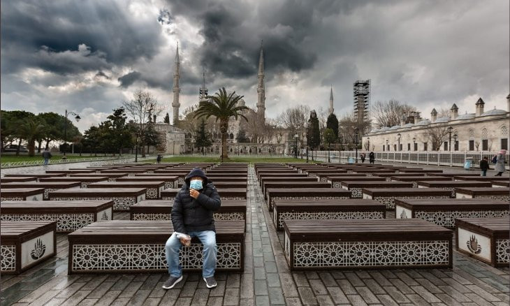 Istanbul governor urges residents to stay home for next 48 hours