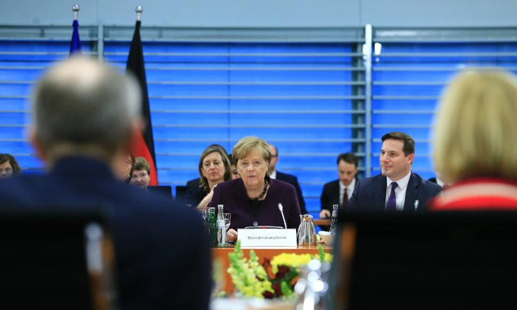 Merkel 'calls for safety zones' in northern Syria