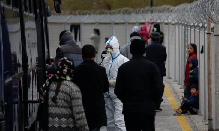 Migrants at Turkey's border stuck between dreams of Europe and coronavirus