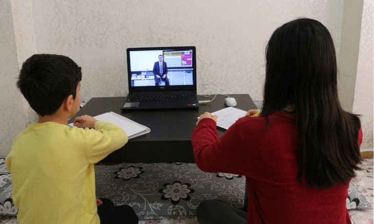 Turkey extends remote learning for students until April 30