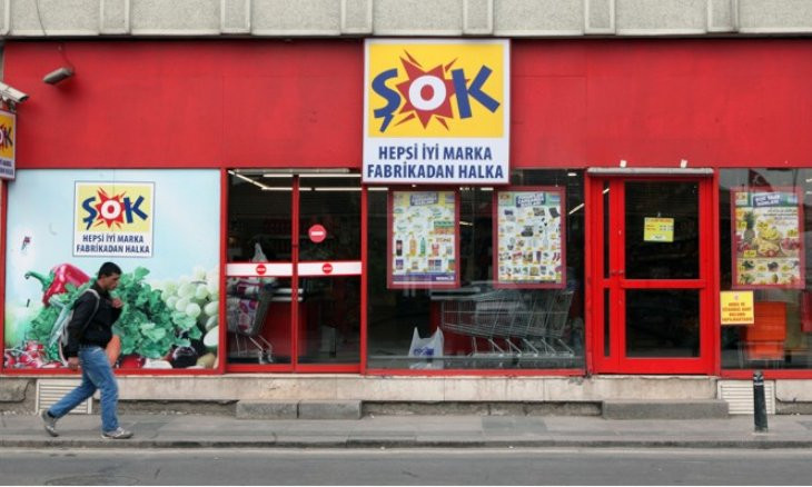 Turkish grocer Şok under fire over reports of forcing staff to work overtime due to weekend lockdown