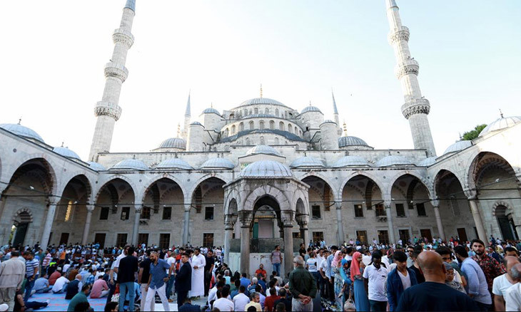 Turkey could celebrate Eid al-Fitr under curfew to prevent further COVID-19 spread