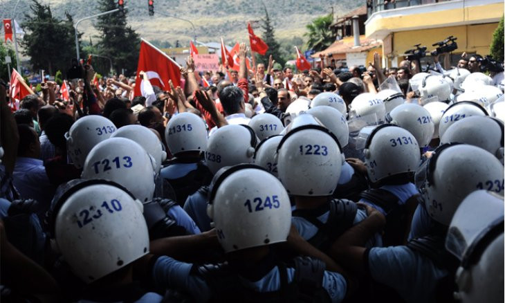 Turkey's top court rules rights of Reyhanlı attack protesters violated