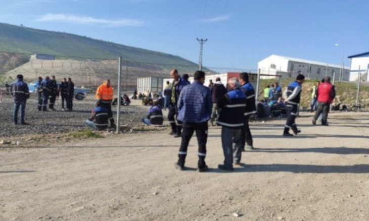 Workers protest poor conditions on pro-AKP firm's construction site