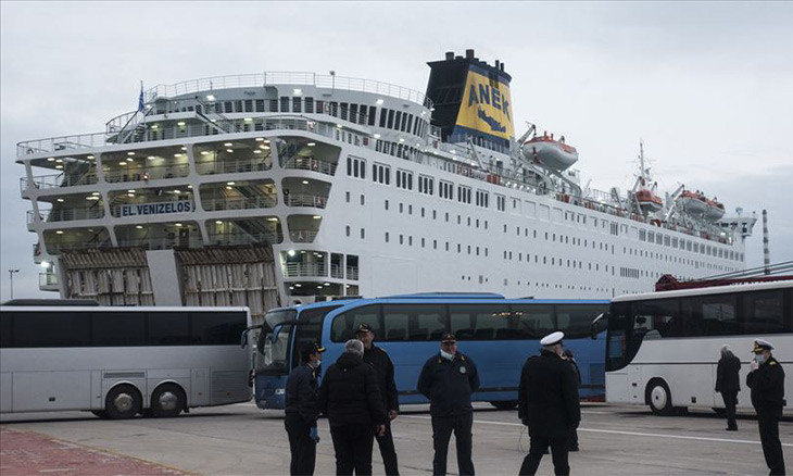 Turkish passengers of quarantined cruise ship in Greece return home