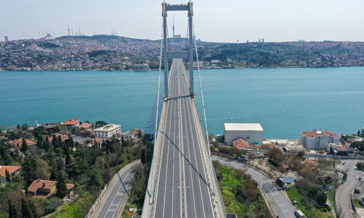 Istanbul falls silent during two-day coronavirus curfew