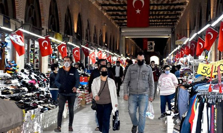 Store owners in Western Turkey bazaar hold WhatsApp vote to re-open stores despite COVID-19 closures