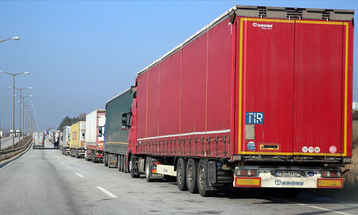 Turkey lifts COVID-19 travel bans on freight drivers except to Iran, Iraq