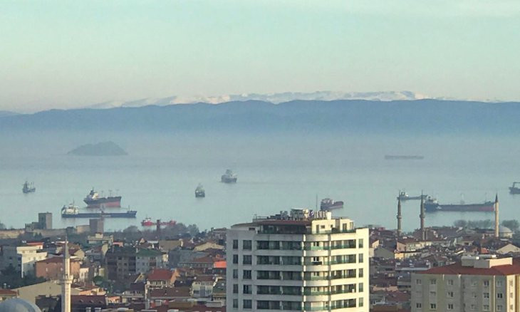 Peaks of Mount Uludağ visible from Istanbul as pollution drops amid coronavirus lockdown