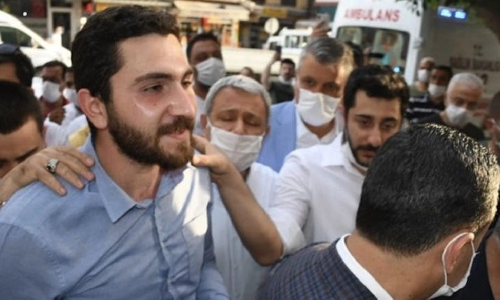 Main opposition CHP's local youth branch head arrested over 'attack on government's aid workers'