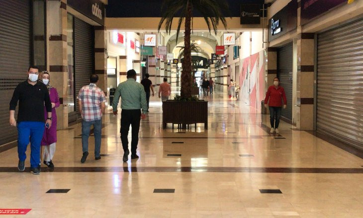 Turkish opposition asks why shopping malls were reopened while parliament stays shut