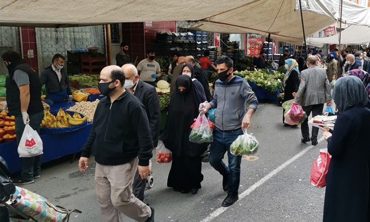 Non-essential sales in Turkey's street markets to resume