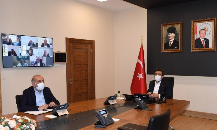 Diyarbakır governor chairs meeting of AKP officials