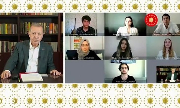 Erdoğan orders removal of comments on live broadcast after pouring criticisms from students