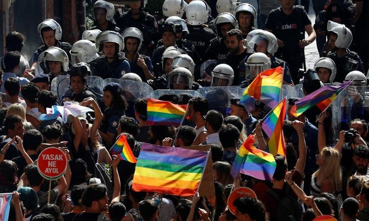Turkey defends homophobic tweet by head of Turkish Red Crescent