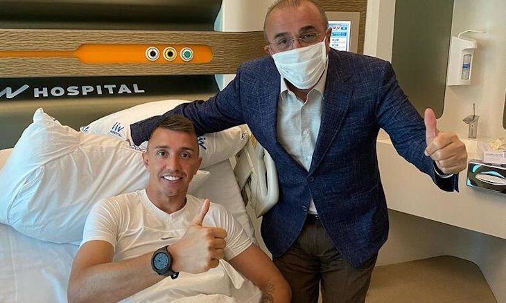 Galatasaray to extend contract with Muslera as goalie undergoes surgery after breaking leg