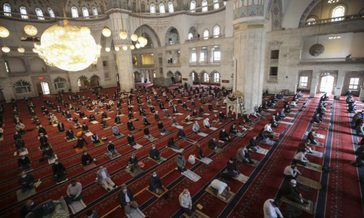 Turkey's top cleric announces resumption of all congregational prayers at mosques