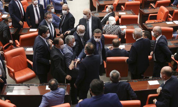 Brawl erupts in parliament after HDP deputy deems AKP 'enemy of Kurds'