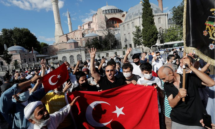 44 pct of Turks believe conversion of Hagia Sophia an attempt to divert attention from economic crisis