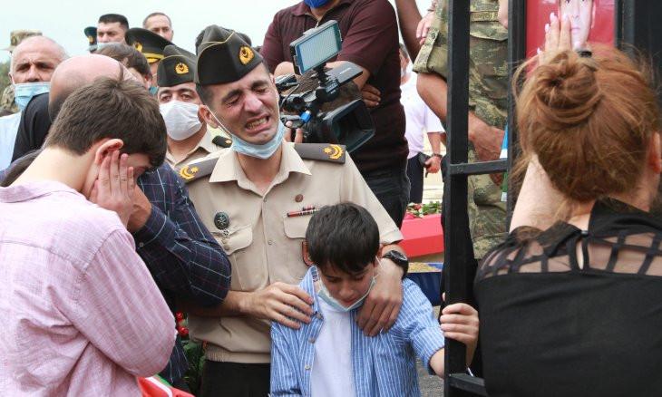 Fighting resumes on Armenian-Azerbaijani border after short pause