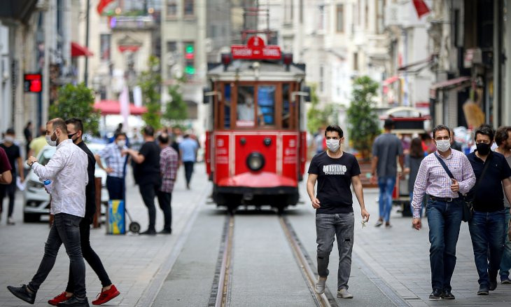 Istanbul accounts for nearly 54 percent of confirmed COVID-19 cases, says health minister