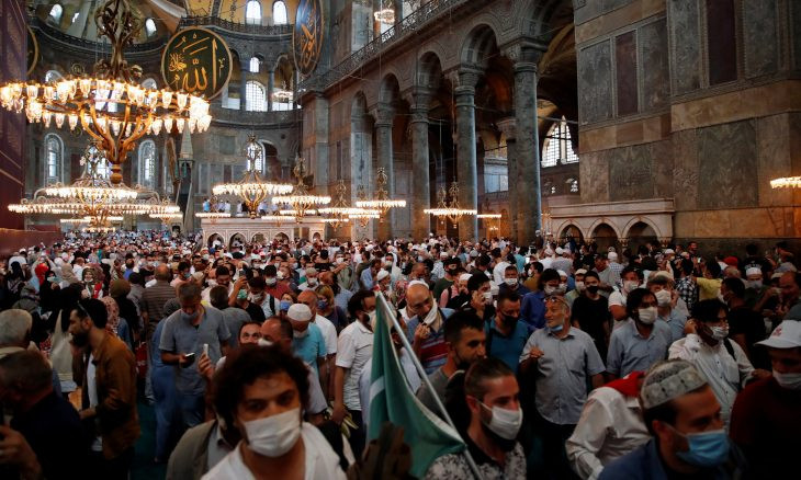 Erdoğan says 350,000 attended Friday prayers at Hagia Sophia amid concerns over COVID-19 spread