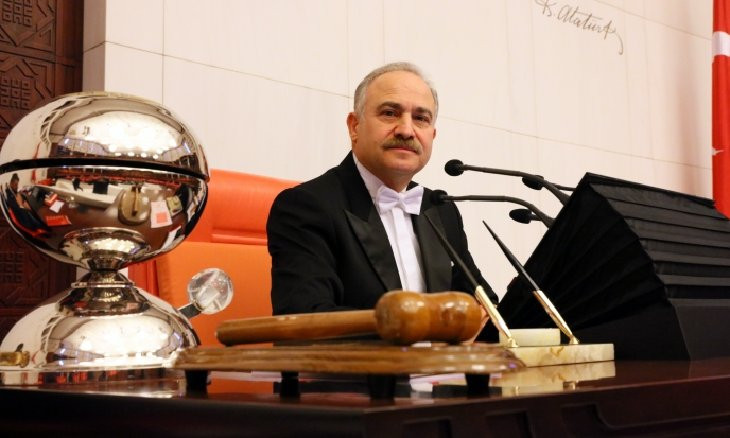 Turkish main opposition deputy breaks world record on running the longest parliament session