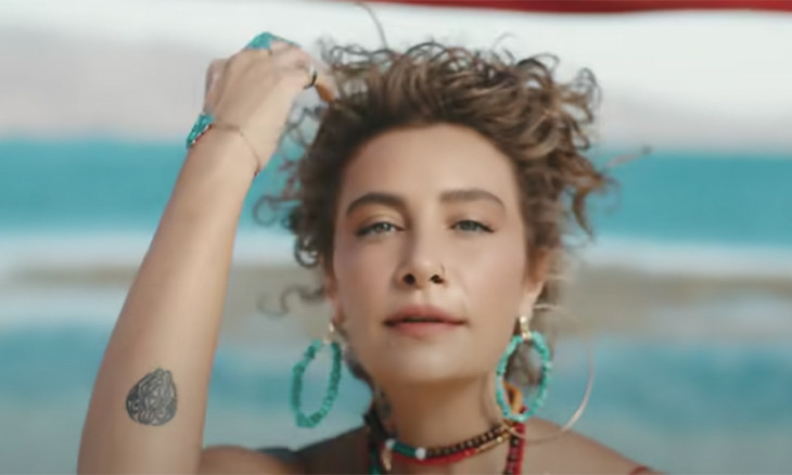 Turkey's media watchdog bans music video for words 'light up a cigarette'