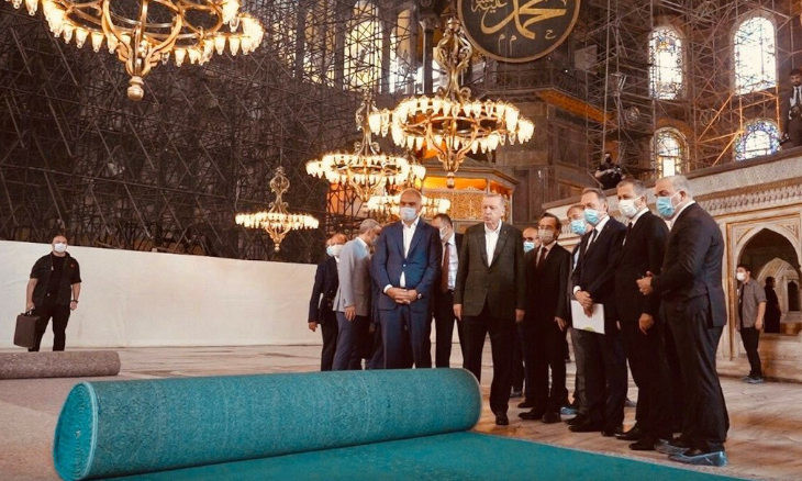Hagia Sophia to be outfitted in turquoise carpeting, fibers pointing toward Mecca