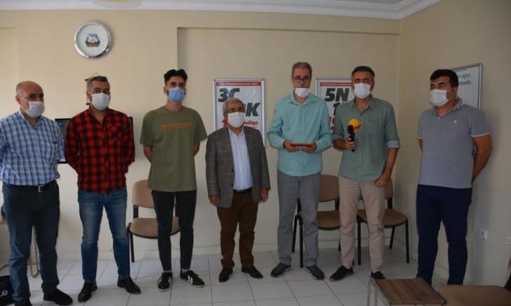 Turkish journalists' body condemns police officers' threat against Evrensel journalist