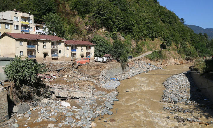 Bridge that should have been demolished caused dam effect in deadly Black Sea floods